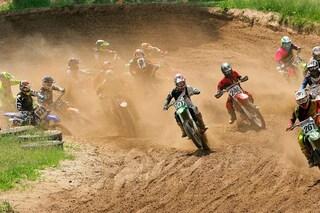 Tragedia nel motocross, morto un pilota sulla pista di Cavallara. Ferito il papà di Dovizioso