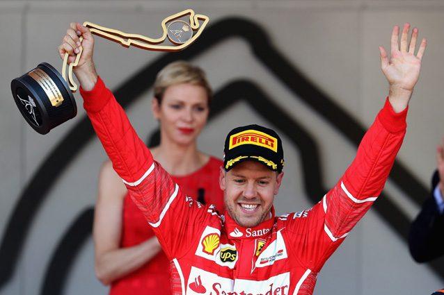 Sebastian Vettel esulta dopo la vittoria a Monaco – Getty Images