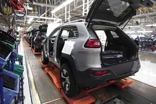 Mercato auto, a marzo in Europa è -3,6%. Male Fca che perde l'11,7%, si salva solo Renault