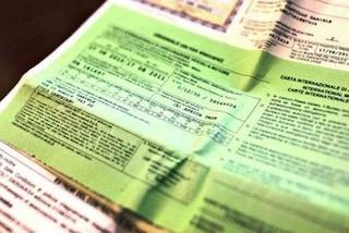 Assicurazioni auto false, ecco come difendersi dalle truffe