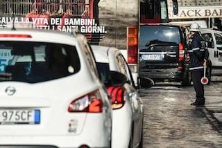 L'auto rimane il mezzo preferito per gli spostamenti, la sceglie oltre il 65% degli italiani