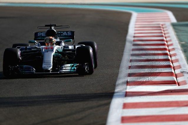 Lewis Hamilton sulla pista di Abu Dhabi – Getty images