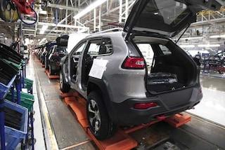 Mercato auto Italia, ottobre in crescita: la top ten delle più vendute