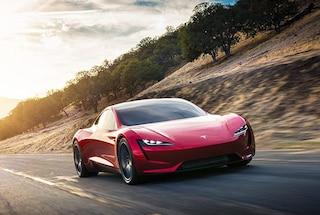 La nuova Tesla Roadster potrà sollevarsi in volo, ecco l'ultima trovata di Elon Musk