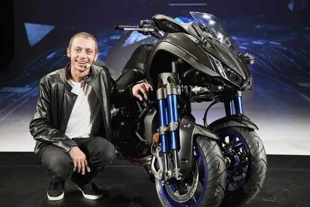 Valentino Rossi lancia la nuova Yamaha Niken / Yamaha Motor
