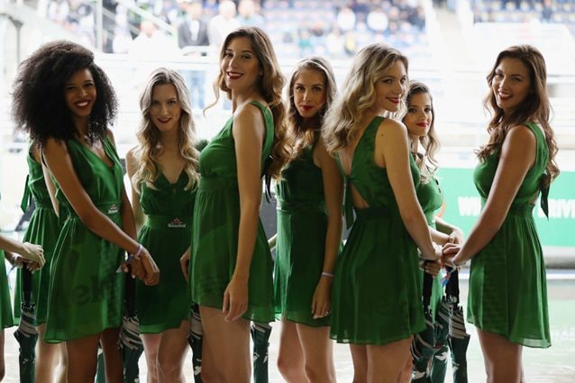 Le grid girls del GP del Brasile – Getty images