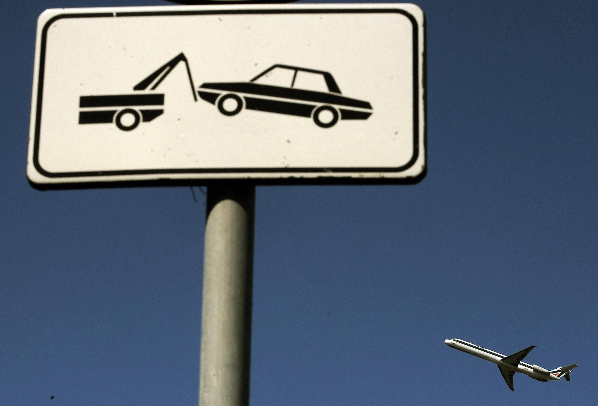 Dipingere Strisce Parcheggio : Sosta più strisce bianche in città per salvare quelle a