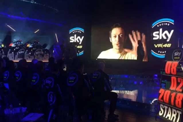 Valentino Rossi nel video per i ragazzi dello Sky Racing team VR46