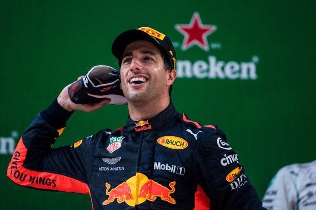 Daniel Ricciardo festeggia la vittoria in Cina – Getty images