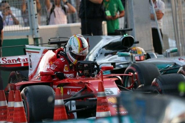 Vettel e Hamilton a Baku nel 2017 – LaPresse
