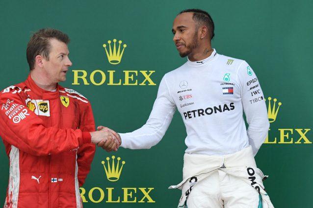 Lewis Hamilton e Kimi Raikkonen sul podio di Baku – LaPresse