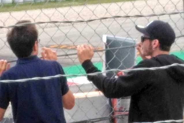 Valentino Rossi pizzicato alla curva 2 / Twitter