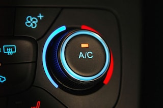 Caro climatizzatore, per le case automobilistiche è un extra che va pagato a parte
