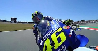 MotoGP, contatto Rossi-Lorenzo ad Assen, rischio a 200 km/h