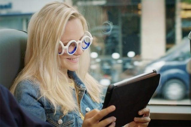 Gli occhiali Seetroen contro il mal d'auto