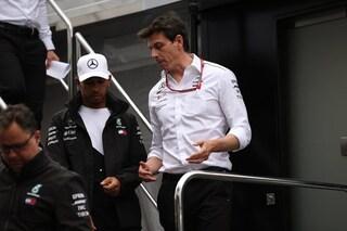"""Wolff infiamma il mercato: """"Hamilton in Ferrari? Può succedere, tutti sognano la Rossa"""""""