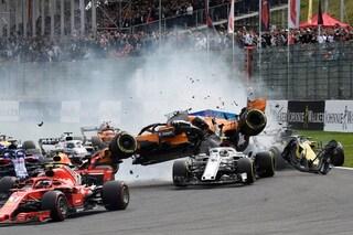 Leclerc salvato dall'Halo, la protezione decisiva nell'incidente con Alonso in Belgio