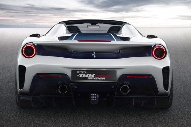 La nuova Ferrari 488 Pista Spider