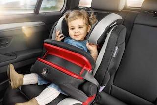 Vacanze in auto, le regole d'oro per viaggiare in sicurezza con i bambini