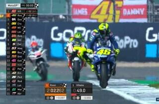 MotoGP Silverstone, Yamaha parte bene, subito Vinales-Rossi, 3° Dovizioso