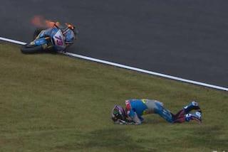 Moto2, incidente da brivido per Alex Marquez: fessura alla spalla ma corre in Giappone