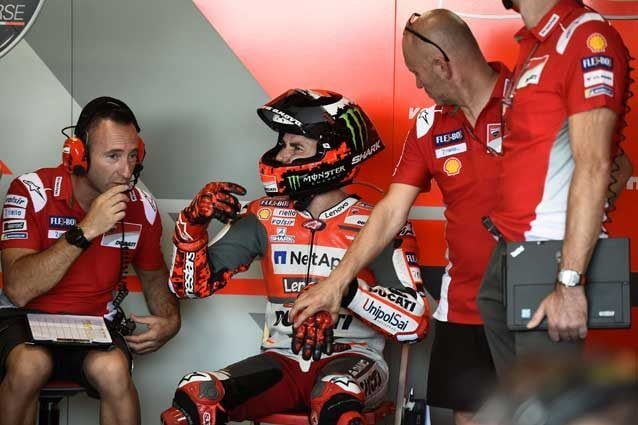 Jorge Lorenzo a box Ducati / Getty Images