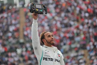 Da Will Smith a Fernando Alonso, tutti rendono omaggio al campione Lewis Hamilton