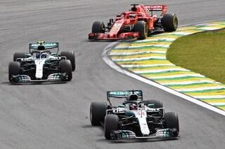 Hamilton regala il titolo costruttori alla Mercedes, Ferrari battuta anche in Brasile