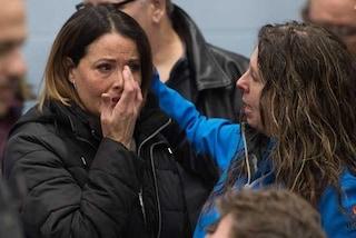 """General Motors chiude 5 impianti, lavoratori in lacrime. Trump: """"Taglio a tutti gli aiuti"""""""