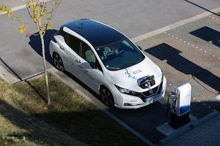 Nissan Leaf anticipa il futuro, è la prima auto elettrica che scambia energia con la rete