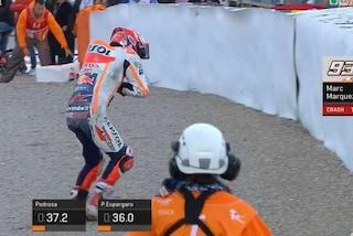 MotoGP Valencia, pole di Vinales, solo 16° Rossi. Brivido Marquez, cade e gli esce la spalla
