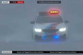 MotoGP, pioggia a Sepang: bandiera rossa sulle qualifiche