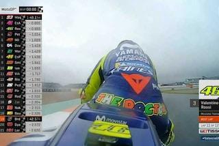 MotoGP Valencia, Marquez al top sul bagnato del warm up. Si fa vedere Rossi, 3°
