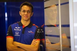 """F1, Alex Albon sceglie il numero 23: """"Almeno la metà del 46 di Valentino Rossi"""""""