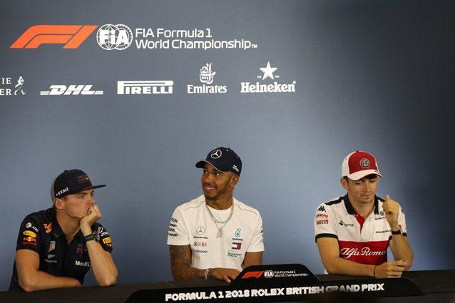 Lewis Hamilton, Max Verstappen e Charles Leclerc – LaPresse