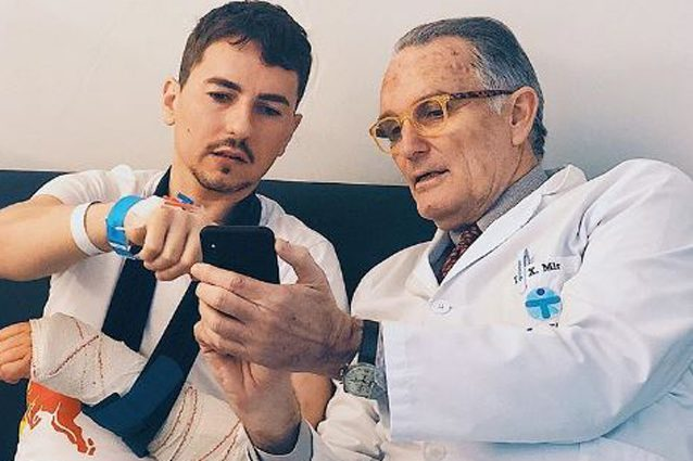 Jorge Lorenzo con il dottor Mir – Foto Instagram