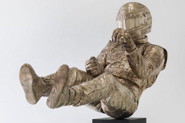 La scultura di Ayrton Senna impegnato all'Eau Rouge – Twitter
