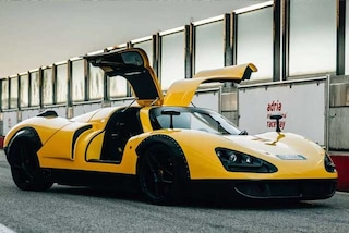 OnlyOne P8, supercar made in Italy da 2 milioni e mezzo di euro