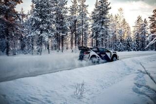 Test sulla neve per Bottas, il finlandese prova la vettura con la quale correrà l'Arctic Rally