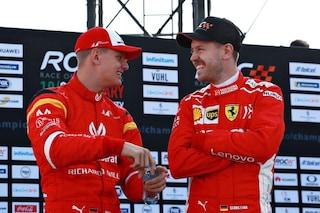"""Vettel esalta Mick Schumacher: """"Diventerà una star, suo padre sarebbe orgoglioso di lui"""""""