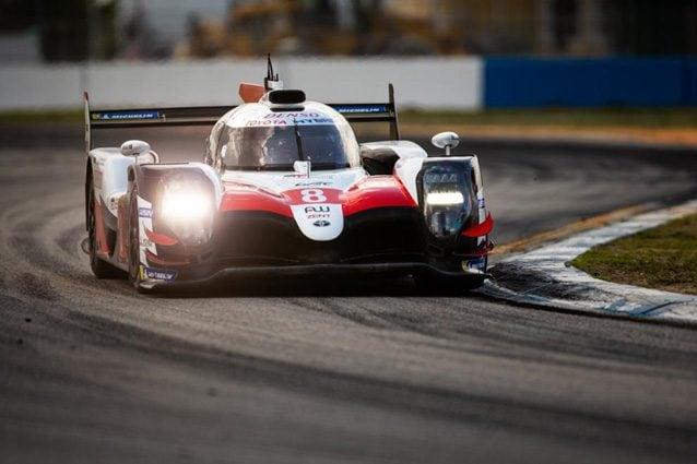 Alonso al volante della Toyota durante la 1000 Miglia di Sebring – Wec