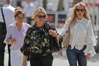 Mick Schumacher debutta in F2 in Bahrain, anche la mamma Corinna al suo fianco