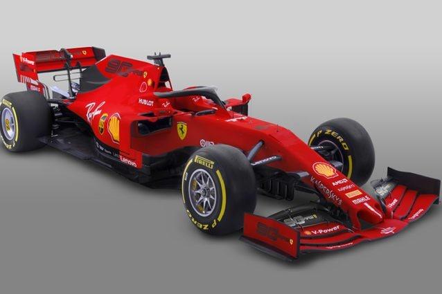 La Ferrari con il logo per festeggiare i 90 anni della scuderia – Ferrari