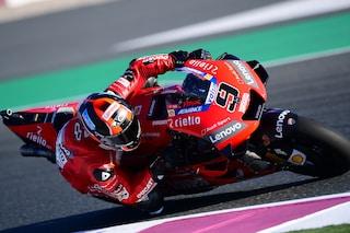 MotoGP Qatar, Petrucci fa suo il warm up, 11° Rossi