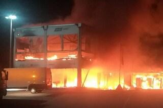 Paura a Jerez, a fuoco le moto elettriche della MotoE. Mondiale a rischio