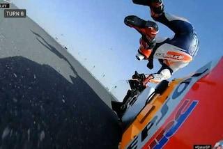 MotoGP, Honda a terra in Qatar: brutta caduta per Lorenzo, giù anche Marquez