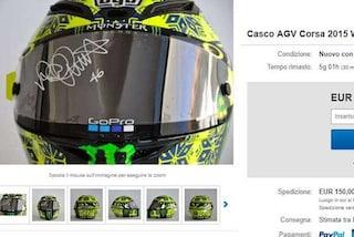 Valentino Rossi mette all'asta un suo casco per la prof. malata di cancro