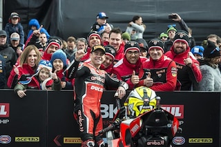 Superbike, Bautista vince Gara-1 ad Assen ed entra nella storia