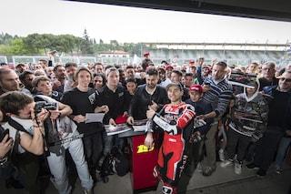 Test Ducati Sbk a Imola, bagno di folla per Bautista e Davies