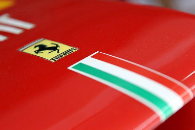 Lo stemma della Ferrari –LaPresse